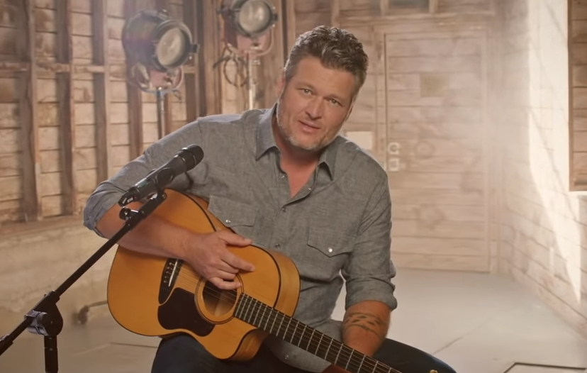 Acoustic performance of Blake Shelton on sound stages in Los Angeles with beautiful lighting